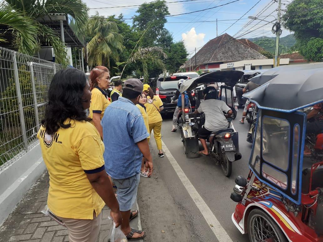 Organisasi WOW Gorontalo, berbagi kasi dengan warga muslim Gorontalo