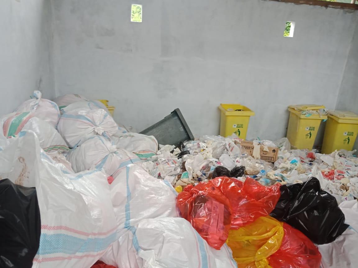 Limah B3 milik Rumah Sakit Tani dan Nelayan Boalemo, yang berada di gudang sampah