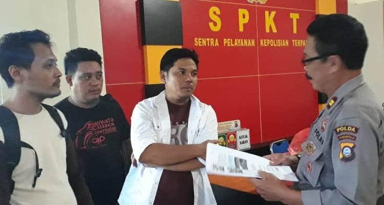 Sejumlah Wartawan Gorontalo, mendatangi Polda Gorontalo untuk mengadukan pencemaran nama baik dan ujaran kebencian