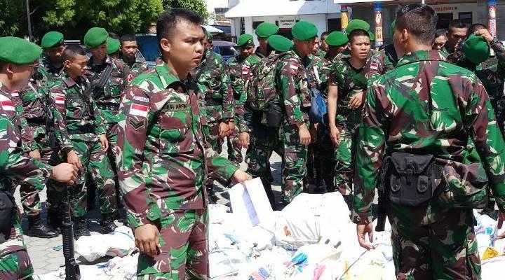 Personil Satuan Tugas (Satgas), Batalyon Infanteri (Yonif) 713 Satyatama, yang menumpangi KRI Teluk Parigi 539. Dikabarkan telah tiba di Dermaga Lantamal X Jayapura, Sabtu (10/08/2019).