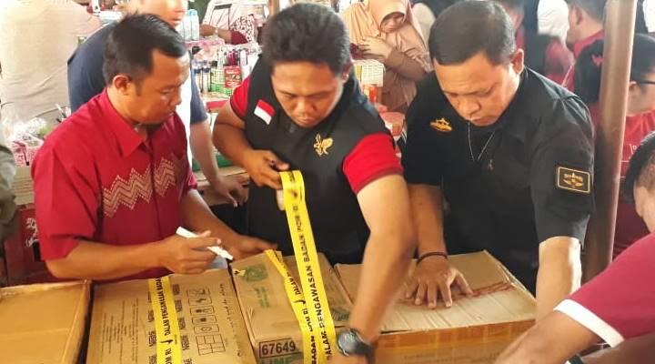 Balai POM Provinsi Gorontalo, berhasil mengamankan ratusan komestik di pasar tradisional