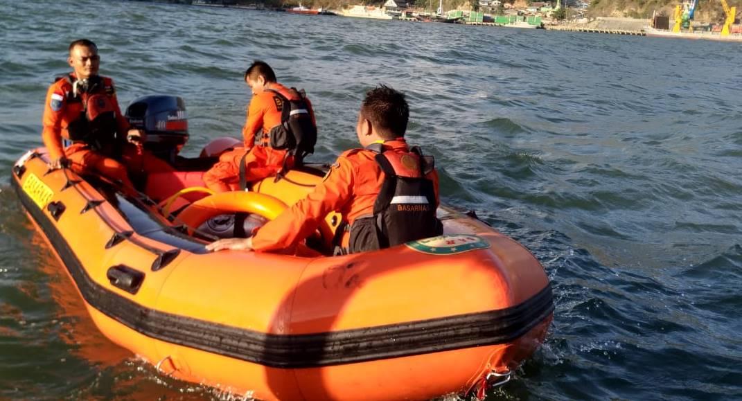 Basarnas Gorontalo, yang sedang melakukan pencarian terhadap anak yang hanyut terbawa arus
