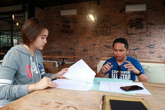 Owner Restaurant Domestique Culinary Culture, Nengsi Sengkey didampingi survervisor Restaurant Domestique Culinary Culture, Taufik Suleman menandatangani MoU dengan media Online Gorontalo