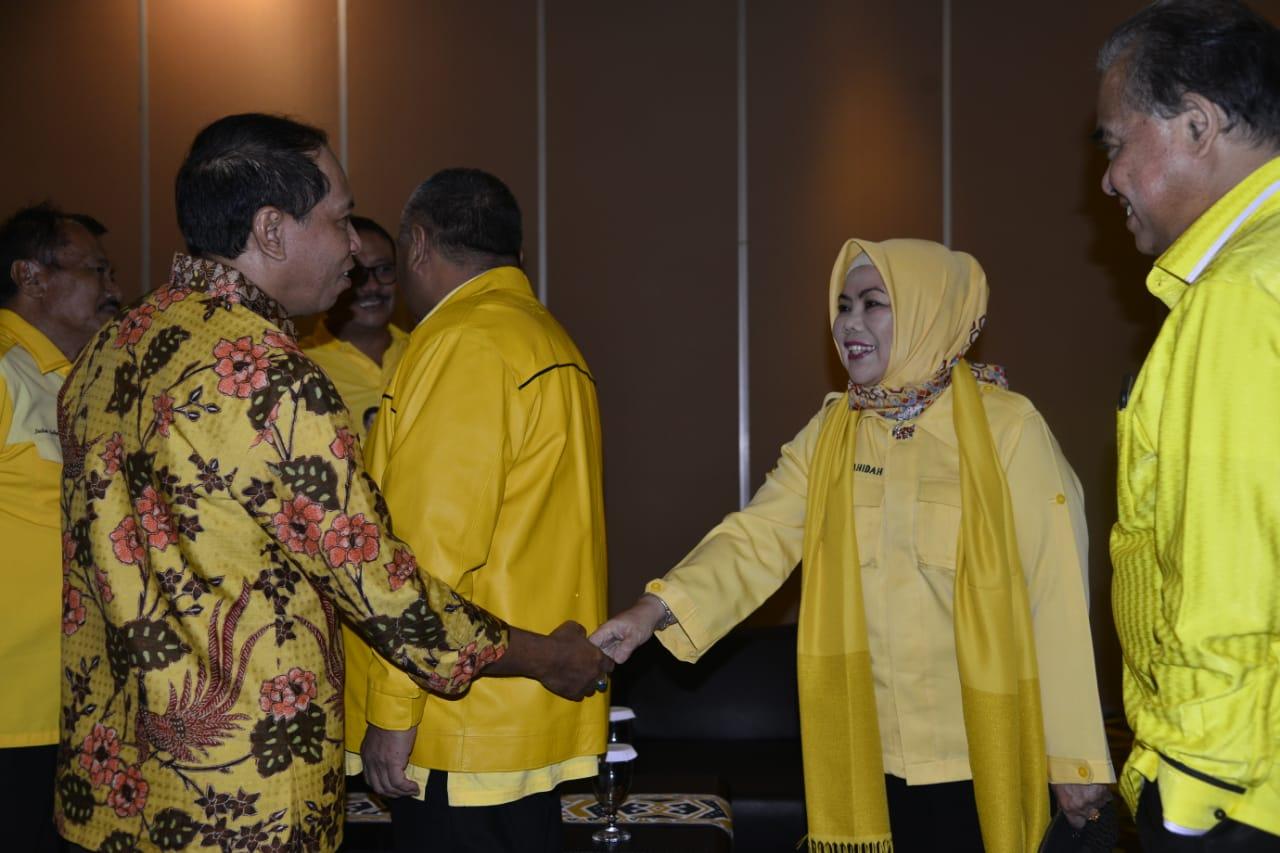 Anggota DPR RI Idha Syahidah bersama Menpora saat mengikuti Rakornas ormas Tri Karya Indonesia Timur