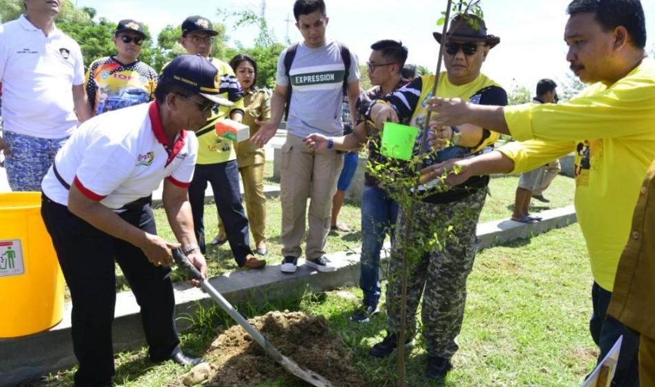 Temui KKIG, Gubernur Rusli Lakukan Penanaman Pohon Bersama