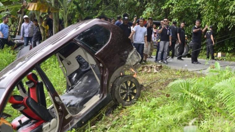 prosesnews.id satu keluarga kecelakaan JWS bantu evakuasi