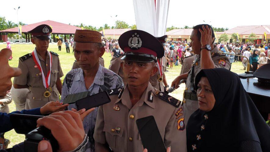 Hebat !! Anak Pedagang Jagung Keliling, Lulus Jadi Polisi