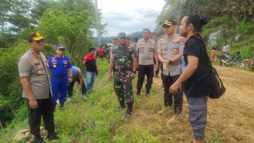 Kapolda Gorontalo bersama Danrem, Tinjau Lokasi Longsor