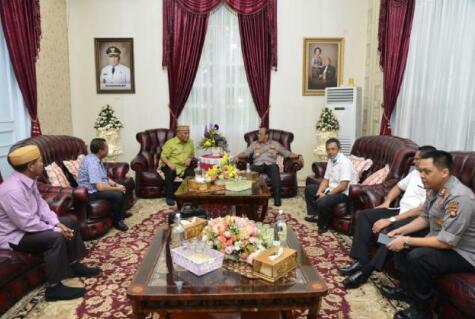 Silaturahmi Perdana Kapolda Gorontalo dengan Gubernur Rusli, Ini yang Dibahas!