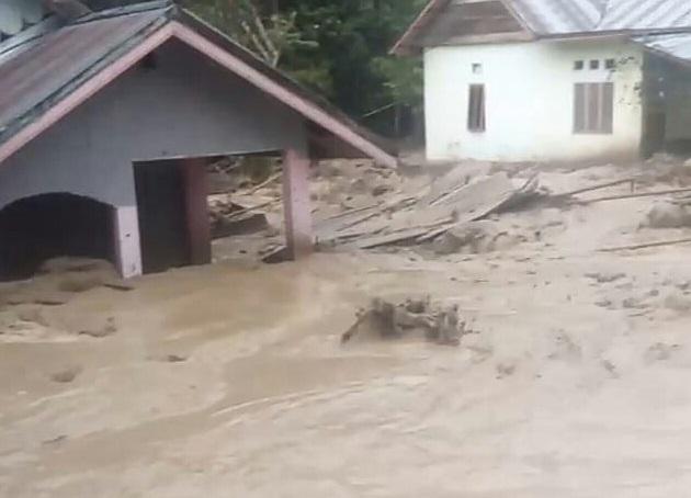 banjir bandang melanda Kabupaten Poso
