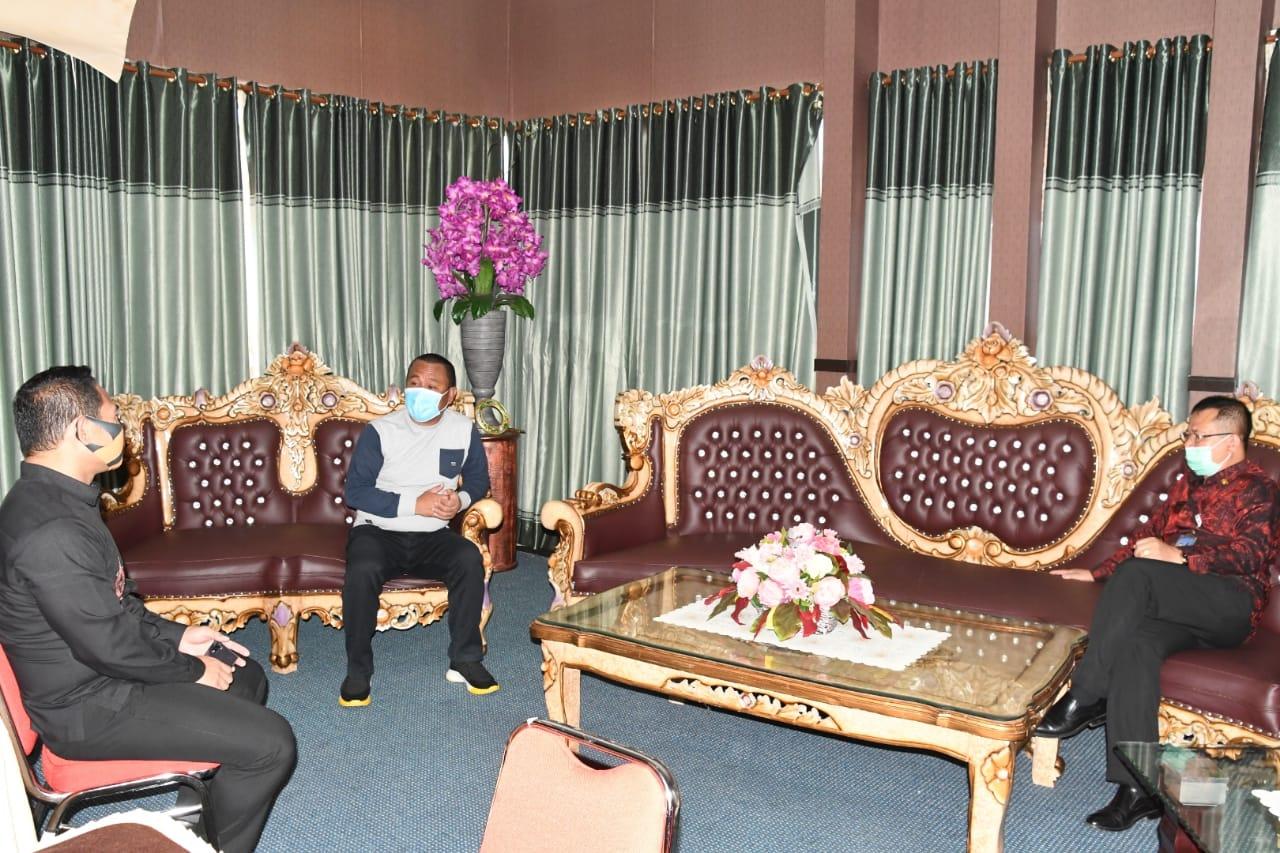 Sekda Gorontalo Utara Ridwan Yasin, saat melakukan kunjungan kerja ke Kantor Regional (Kanreg) XI Badan Kepegawaian Negara (BKN) Manado, Jumat (28/8/2020).