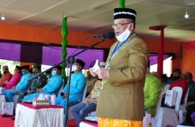 Wagub Gorontalo H. Idris Rahim memberikan sambutan pada pembukaan MTQ IX Tingkat Provinsi Gorontalo di halaman Kantor Bupati Gorontalo Utara, Kamis (10/9/2020). (Foto : Haris – Humas)