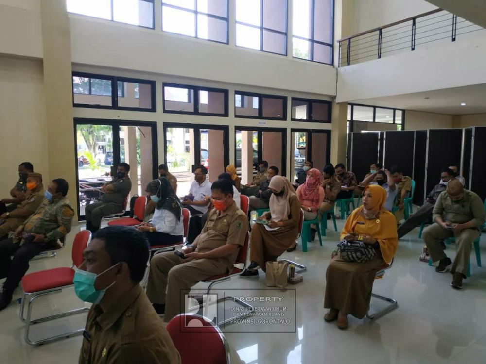 Suasana Rapat TKPRD Prov.Gorontalo yang berlangsung di Aula kantor Dinas PUPR Provinsi Gorontalo, Selasa (29/09/2020). (Foto Alex)