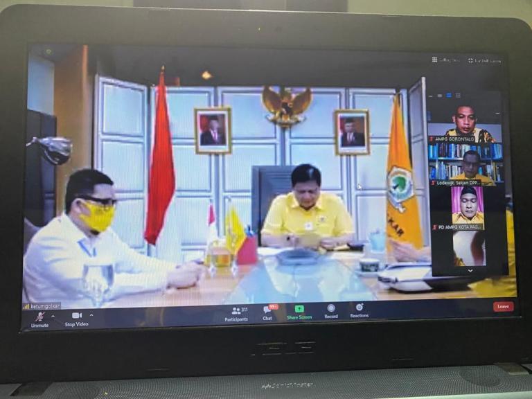 Rapat virtual bersama AMPG se Indonesia, dengan Ketum Golkar Airlangga Hartarto, Senin (28/9/2020).