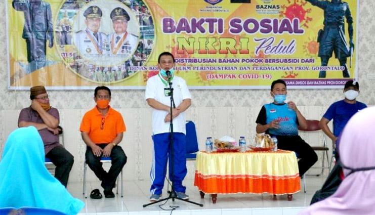 Wagub Gorontalo, Idris Rahim, saat memberikan sambutan di kegiatan bakti sosial NKRI peduli yang diselenggarakan di Kecamatan Tilamuta, Kabupaten Boalemo, Sabtu (5/09/2020). (Foto - Haris, Humas Pemprov)