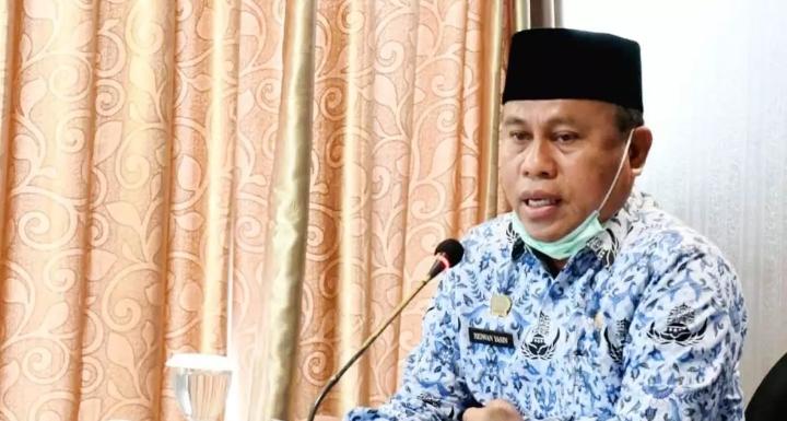 Sekretaris Daerah, Gorontalo Utara, Ridwan Yasin saat memberikan sambutan pada kegiatan rapat kerja dewan pengurus korpri yang dilaksanakan di manado, Sulawesi Utara.