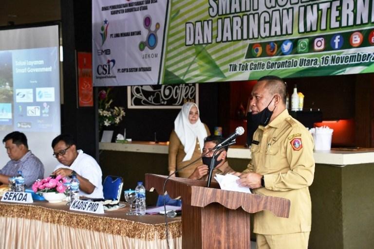 Sekda Gorontalo Utara, Ridwan Yasin menyampaikan sambutan dalam sosialisasi Smart Government dan Penyedia Layanan Internet.