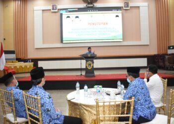 Wali Kota Gorontalo Marten Taha, saat memberikan sambutan pada peringatan Hari Ulang Tahun (HUT), Korps Pegawai Republik Indonesia (Korpri) ke-49, bertempat di Rumah Dinas Wali Kota, Senin, (30/11/2020).