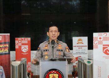 Karo Penmas Divhumas Polri Brigjen Awi Setiyono saat menyampaikan konferensi pers di Mabes Polri, Jakarta. (Istimewa)