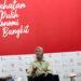 dr. Aulia Giffarinnisa (Dokter - RSDC Wisma Atlet) (tengah) bersama Yusrin Zata Lini (Relawan Jurnalis Bergerak) (kanan) dan moderator Pascalis Iswari berbagi cerita inspiratif dalam dialog Liputan produktif bertema Berbakti Untuk Kemanusiaan Tanpa Pamrih di Jakarta, Jumat, 4 Desember 2020.