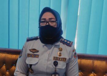 Kepala Bidang Lalu Lintas, Dinas Perhubungan Kabupaten Gorontalo, Sartika H Dau, saat ditemui di Ruang kerjanya, Selasa (29/12/2020).