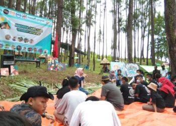 Idah Syahidah Rusli Habibie, saat menghadiri serta menyapa panitia bersama peserta Hari Antikorupsi Sedunia (Harkodia) tahun 2020, di lokasi Hutan Pinus Mootilango.