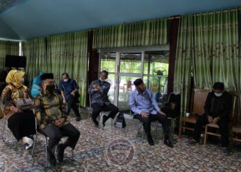 Suasana diskusi yang kemudian dilanjutkan dengan doa bersama oleh BPG Makassar dan KKIG Makassar dalam rangka refleksi HUT Provinsi Gorontalo ke 20 tahun, Kamis (3/12/2020). (Foto – BPG)