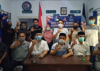 Pasangan Calon Bupati Dan Wakil Bupati Kabupaten Gorontalo,  Chandi Mayang - Tomy Ishak (tengah kedua)