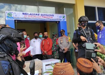 Distribusi vaksin berlangsung di Gedung Instalasi Farmasi Dinas Kesehatan Kabupaten Boalemo, Kamis, (28/01/2021). (Foto : Istimewa).