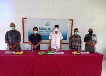 Wakil Ketua DPRD Boalemo Lahmuddin Hambali (tengah), saat membuka Mukerda Wahdah Islamiyah. (Foto : Istimewa).