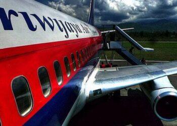 Pesawat Sriwijaya Air hilang kontak