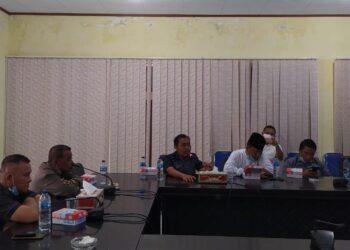 Suasana Rapat Dengar Pendapat (RDP) yang berlangsung di ruang Rapat DPRD Pohuwato. Senin, (04/01/2021).