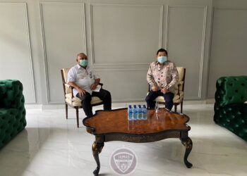 Gubernur Gorontalo Rusli Habibie saat menemui Menteri PPN/Bappenas Suharso Monoarfa di Jakarta, Selasa (5/1/2021). Beberapa program pembangunan di daerah tahun 2021 dibahas yakni kelanjutan Perpres Penanganan Banjir Gorontalo, program strategis nasional dan PEN. (Foto: istimewa).