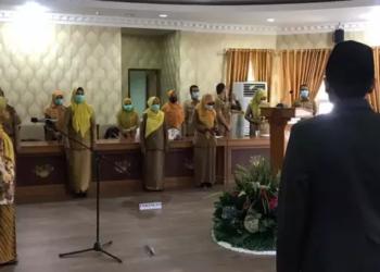 Wakil Gubernur Gorontalo Idris Rahim melantik Kepala Dinas Kesehatan Provinsi Gorontalo yang kini dijabat dr. Yana Yanti Suleman. foto istimewa