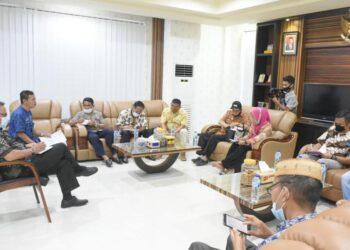 Pemkab Boalemo Rapat Soal Akses Jalan objek wisata pantai Kota Ratu. Jum'at, (22/01/2021). (F : Istimewa).