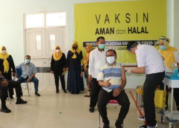 Vaksinasi ke 2 oleh Sekertaris Komisi IV DPRD Provinsi Gorontalo