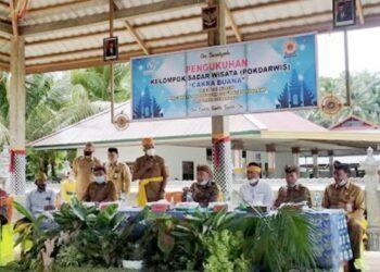 Kepala Bidang Pengembangan Destinasi dan Industri Pariwisata, Yusnan Ahmad, saat memberi sambutan pada pengukuhan Pokdarwis Cakra Buana Tri Rukun Wonosari. (Foto: Gorontaloprov.go.id)