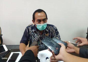 Ketua Komisi II DPRD Kabupaten Blitar, Idris Marbawi, saat diremui Prosesnews.id, usai Hearing. Jum'at, (05/02/2021). (Foto: Dwi/Prosesnews.id).