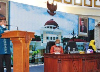 Wagub Gorontalo H. Idris Rahim memberikan sambutan pada rapat penyusunan Peta Proses Bisnis lingkup Pemprov Gorontalo di ruangan Dulohupa Gubernuran Gorontalo, Kamis (4/2/2021). (Foto : Haris)