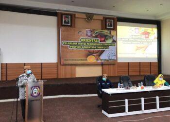 Sekretaris Daerah Provinsi Gorontalo Darda Daraba saat membuka orientasi pelaksanaan survei Pemantauan Status Gizi (PSG) tahun 2021 di aula lantai III kantor Bapppeda, Jumat (26/2/2021). (Foto: Alfons-Bapppeda)