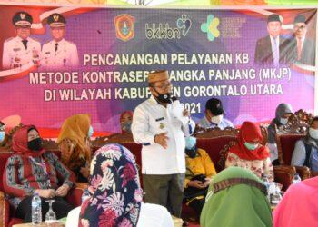 Bupati Gorontalo Utara, Indra Yasin Memberikan Sambutan Pada Pencanangan Kegiatan Uji Pelayanan KB, Metode Kontrasepsi Jangka Panjang (KMJP) di Wilayah Kabupaten Gorontalo Utara, Rabu (24/02/2021). Foto: Humas Gorut.