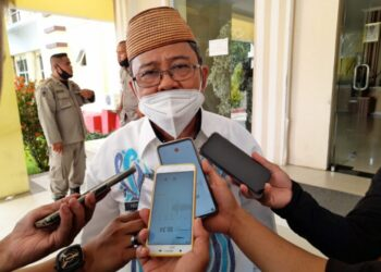 Bupati Gorontalo Utara, Indra Yasin Diwawancarai Awak Media, usai Mendampingi Gubernur Gorontalo, Berlangsung di Aula Tinepo Kantor Bupati Gorontalo Utara, Kamis (25/02/2021). Foto: Usman 60DTK