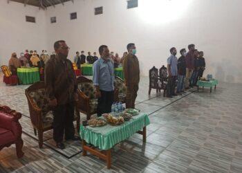 Tiga dari kiri, Kadis Kominfo Kabupaten Gorontalo, Haris Tome. (Foto : Istimewa).