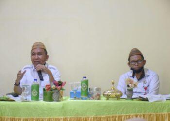 Plt Bupati Boalemo, Anas Jusuf (kiri), saat rapat evaluasi bersama jajaran Perindagkop Boalemo. Rabu, (03/02/2021) (Foto : Istimewa).