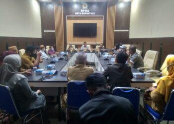 Dewan Perwakilan Rakyat Daerah (DPRD)  Kota Gorontalo menyatakan akan mendukung Kota Gorontalo menjadi Kota Literasi.
