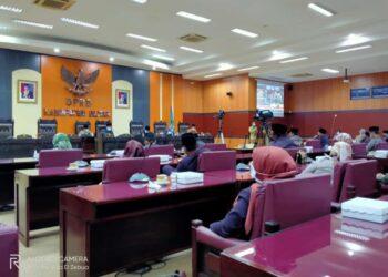 Sidang Paripurna DPRD Kabupaten Blitar terkait pandangan umum fraksi-fraksi atas LKPj Bupati Blitar tahun anggaran 2020. (foto : istimewa).