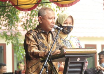 Wakil Bupati Pohuwato Amin Haras, bersama Istri tercinta. Saat pamit mengakhiri masa jabatan di acara perpisahan Ramah Tamah Pemerintahan Syah. (Foto : Istimewa).