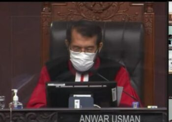 Mahkamah Konstitusi saat melakukan putusan sengeketa Pemilihan Kepala Daerah (Pilkada) Kabupaten Gorontalo, Live Streaming di kanal YouTube Mahkamah Konstitusi RI. (Foto : Agil Mamu/Prosesnews.id).