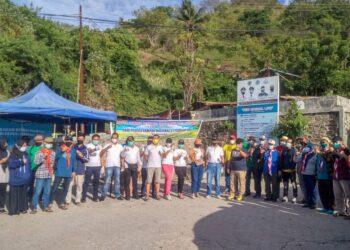 Hari Peduli Sampah Nasional, di objek wisata Tangga 2000, Kota Gorontalo, Minggu (21/2/2021).