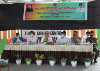 Asisten III Yusran Lapananda, menghadiri langsung kegiatan Musrenbang, tingkat Kecamatan Telaga, Kabupaten Gorontalo. (F : Istimewa).